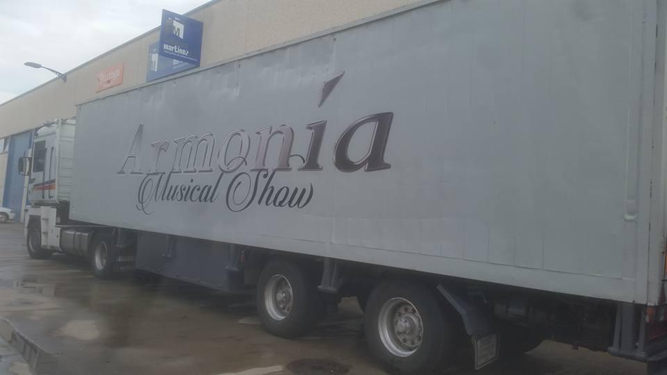 Camión de ORQUESTA DUBAI.